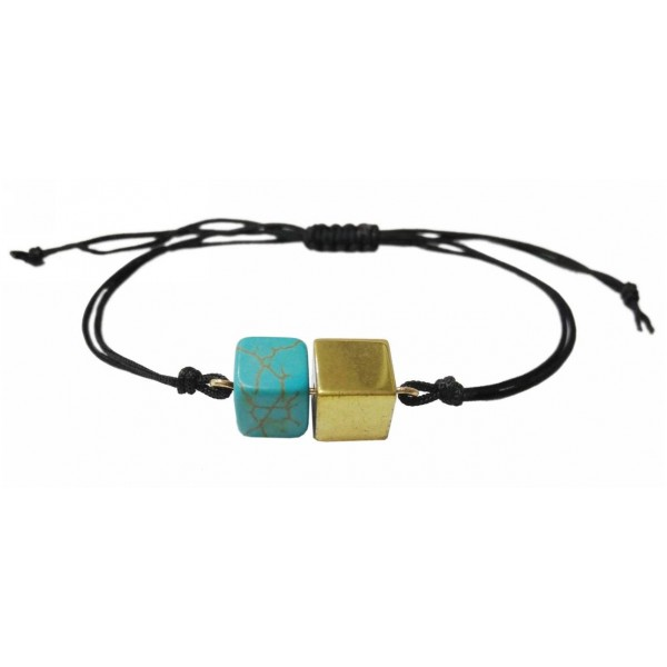 Bracelet with turquoise colored pearl and Hematite