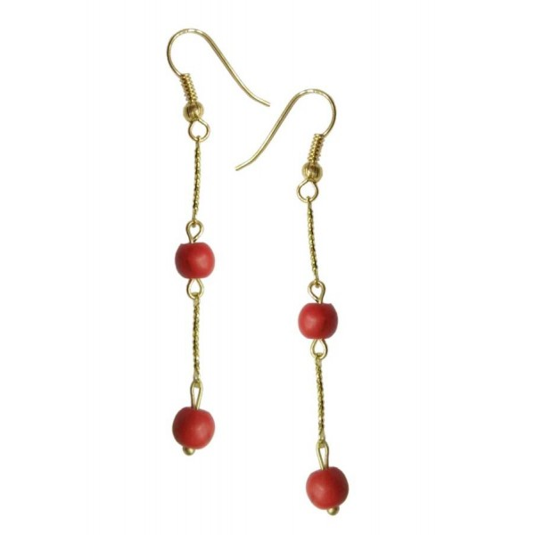 Earrings with metal elements and coral-colored pearls