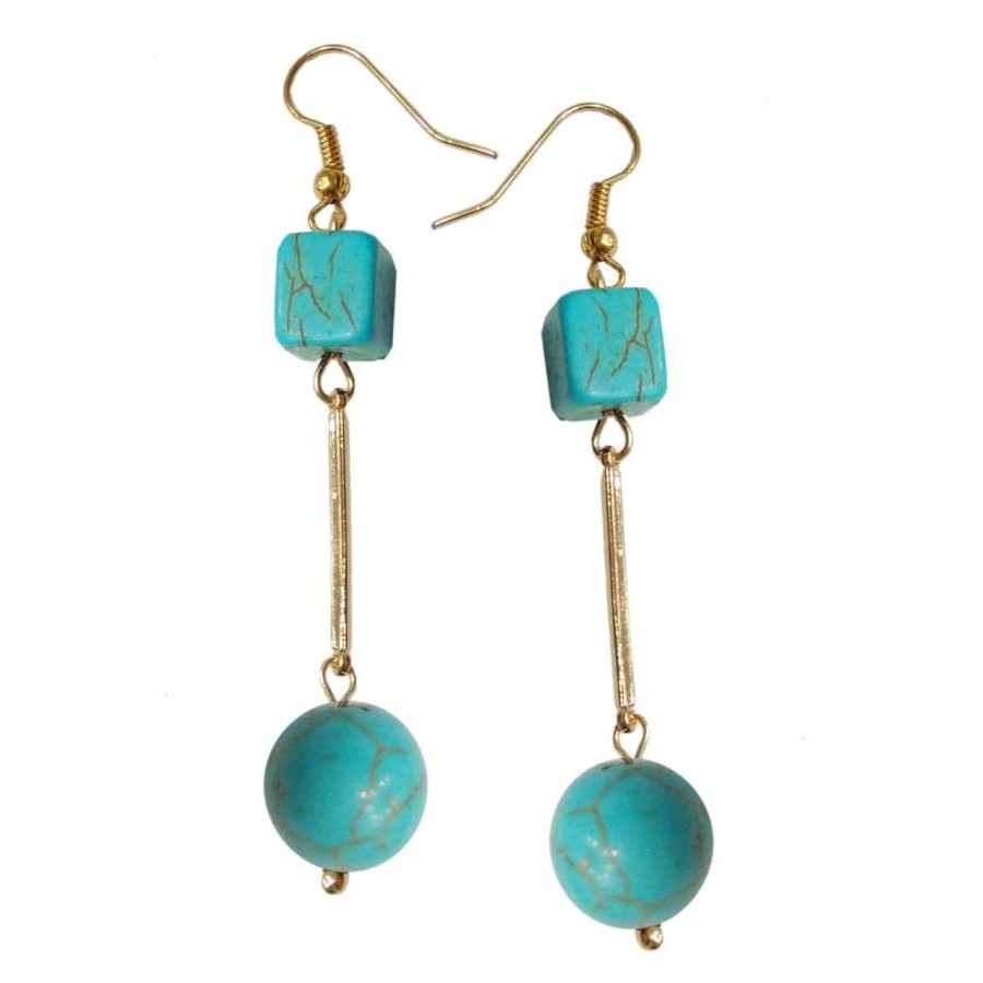 Earrings with metal elements and turquoise colored pearls